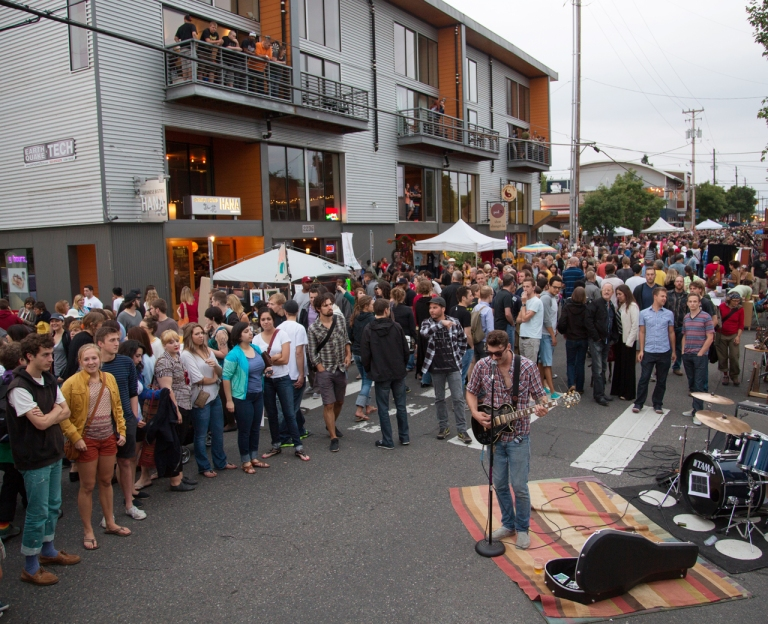 EVT_Summer_StreetFair_LastThursday_2012_0628_tp0453_courtesy_TravelPortland_RobFinch