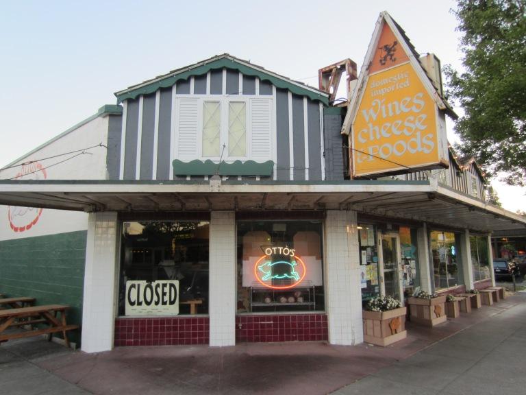 Otto's,_Portland,_Oregon_-_2012