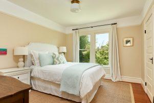 2638 NE 10th Ave Portland OR-print-028-17-Master Suite-4200x2805-300dpi