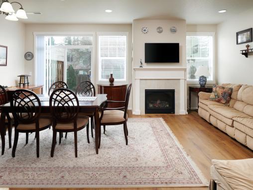 7913 Northeast Caitlin Street-MLS_Size-009-20-Living Room-1920x1440-72dpi
