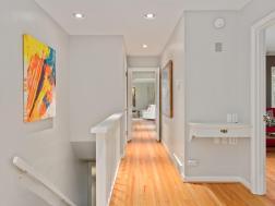 1528 SW Westwood Ct Portland-028-40-Hallway-MLS_Size