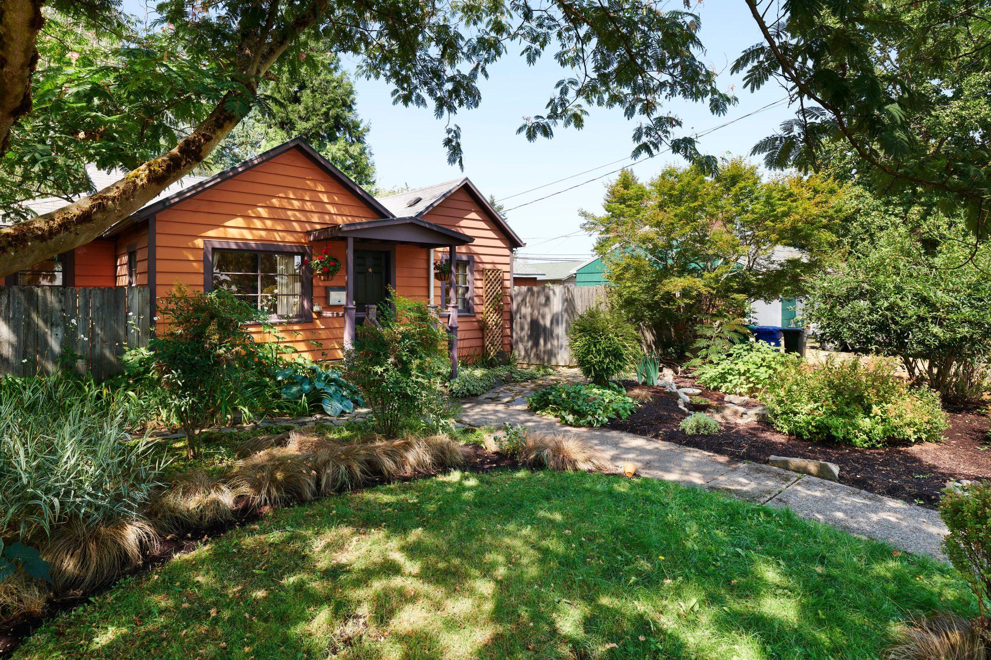 bungalow exterior portland oregon house for sale Susie Hunt Moran Windermere