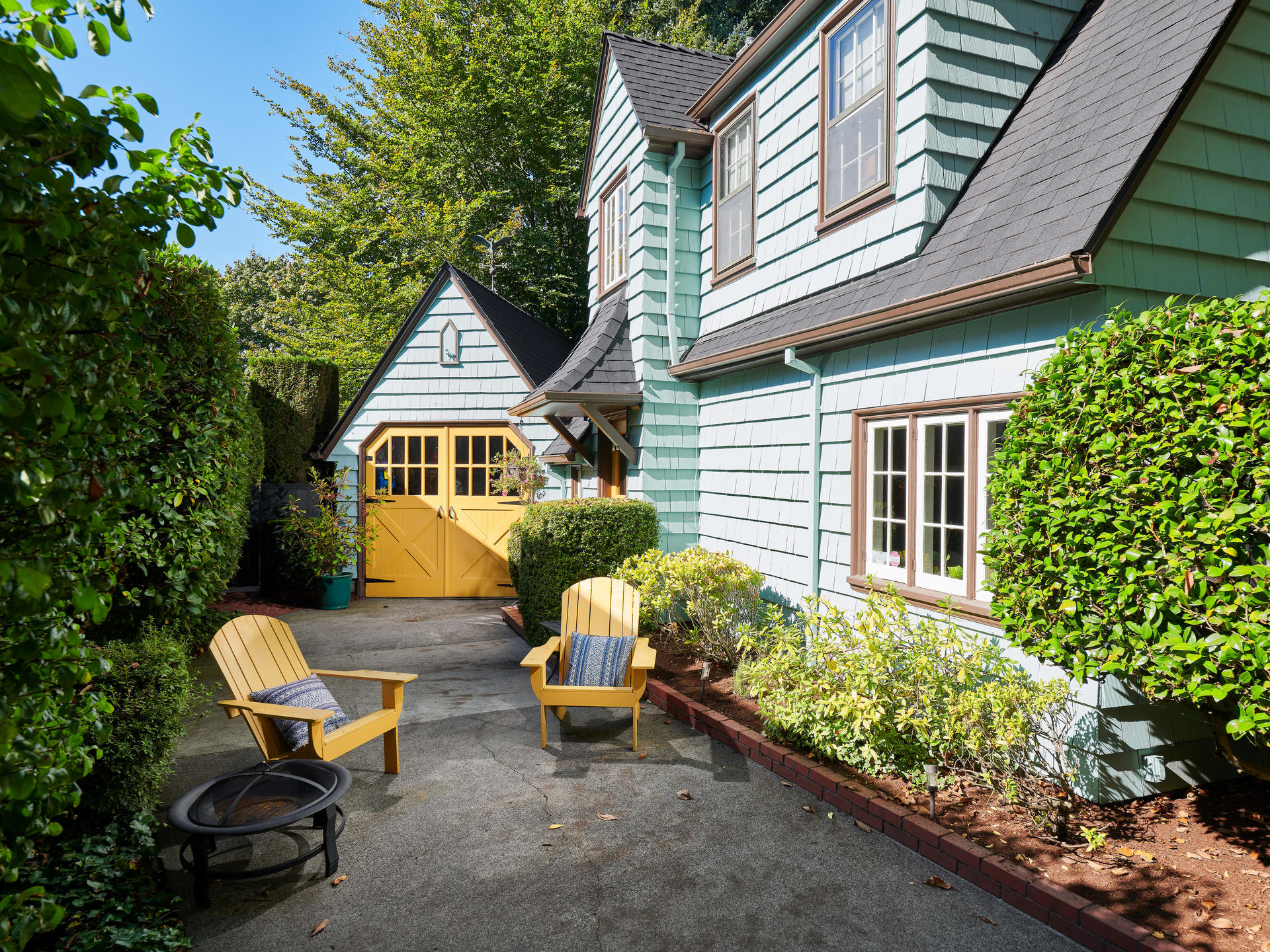 Driveway with Garage English Cottage in Portland Oregon