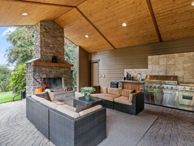 outdoor kitchen vaulted ceilings