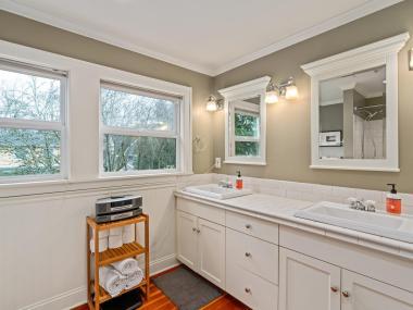 2604 NE 36th Ave Portland OR-029-22-Bathroom-MLS_Size