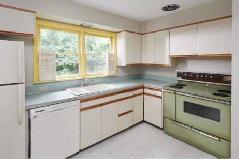 3838 NE Flanders St Portland-print-012-17-Kitchen-4200x2801-300dpi