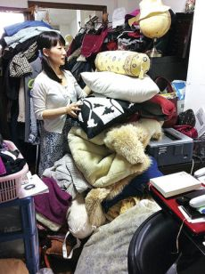 Marie Kondo sparking joy ... from themessenger.com stack of clutter
