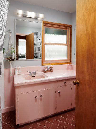121 NW 48th Ave Portland OR-print-035-001-Bathroom-3000x4000-300dpi