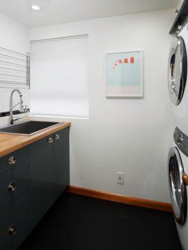 121 NW 48th Ave Portland OR-print-043-004-Laundry FacilityRoom-3000x4000-300dpi