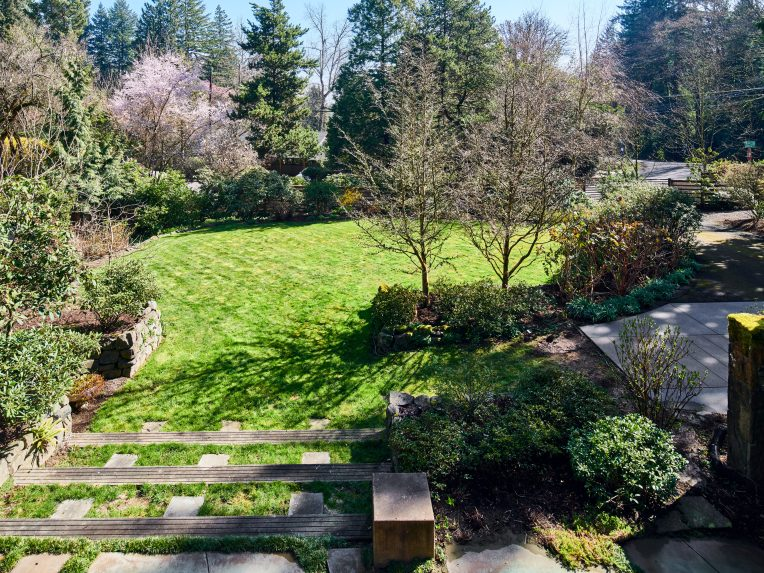 121 NW 48th Ave Portland OR-print-053-044-Front Yard-4200x3150-300dpi