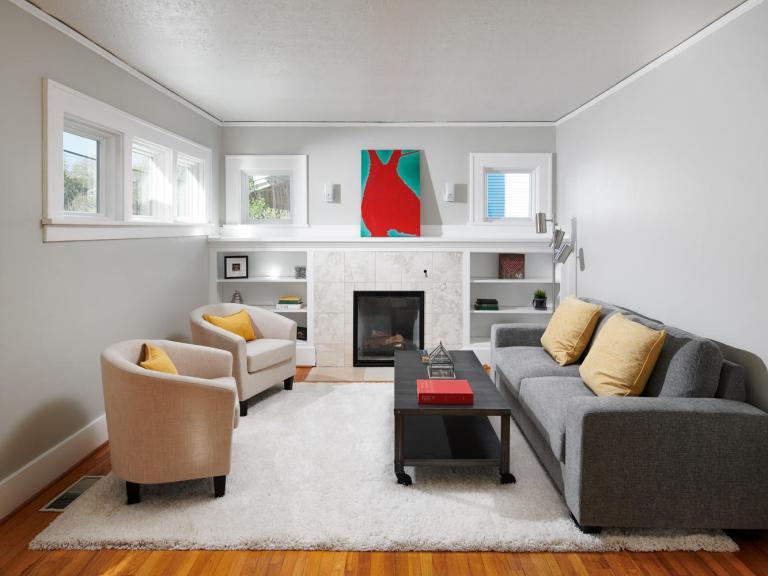 5829 SE Lafayette St Portland-large-005-022-Living Room-1334x1000-72dpi